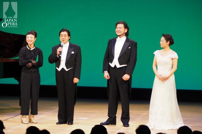 出演者へのインタビューコーナー(ご案内:飯塚ようこ)