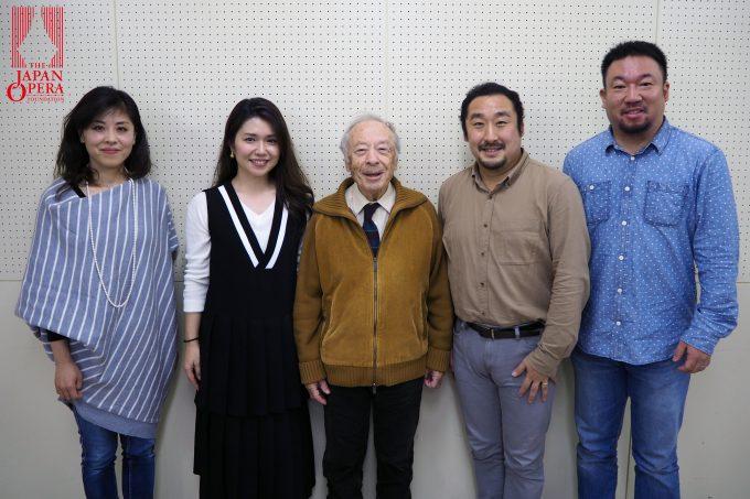 左から、メッゾ・ソプラノの向野由美子、ソプラノの砂川涼子、アルベルト・ゼッダ氏、テノールの村上敏明、バスの伊藤貴之