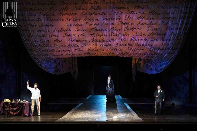 第2幕フィナーレより ドン・ジョヴァンニ(ニコラ・ウリヴィエーリ)、ドンナ・エルヴィーラ(佐藤亜希子)、レポレッロ(押川浩士)