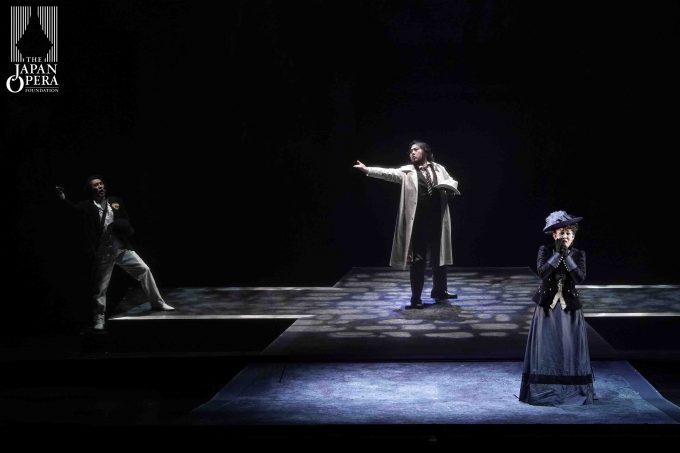 第2幕より ドンナ・エルヴィーラ(佐藤康子)、ドン・ジョヴァンニ(カルロ・カン)、レポレッロ(田中大揮)