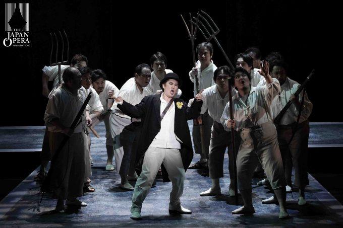 第2幕より ドン・ジョヴァンニ(カルロ・カン)、マゼット(大塚雄太)、藤原歌劇団男声合唱部