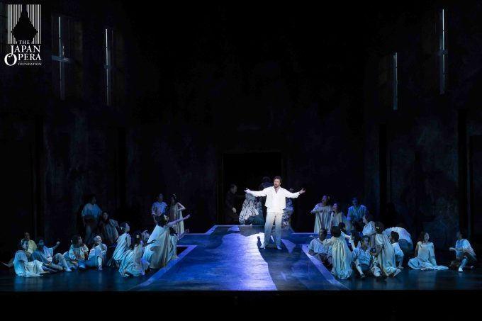 第1幕より ドン・ジョヴァンニ(ニコラ・ウリヴィエーリ)、藤原歌劇団合唱部