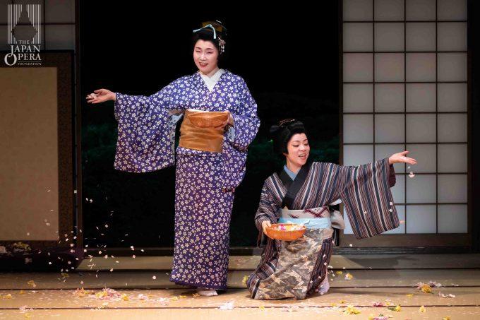 第2幕 第1場より 蝶々夫人(迫田美帆)、スズキ(但馬由香)