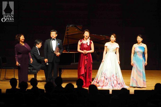 作曲家・伊藤康英さんも一緒に歌ったり、楽しいお話をしていただきました♪
