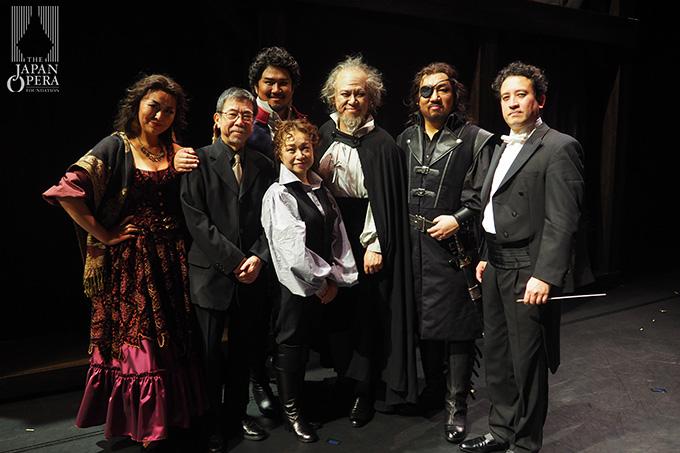 終演後に、マエストロの柴田真郁さん、演出の松本重孝さんと