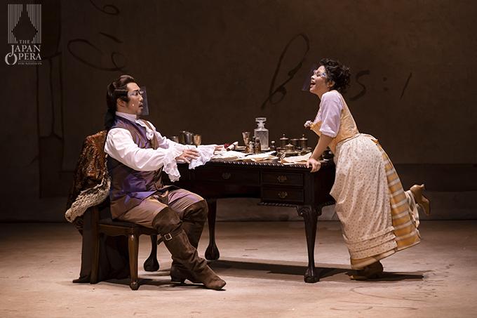 第3幕より アルマヴィーヴァ伯爵(井出壮志朗)、スザンナ(横前奈緒)